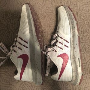 Nike athletic shoes. Size 5. Barely worn.